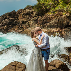 Wedding photographer Sergey Smeylov (Smeilov). Photo of 10.02.2018