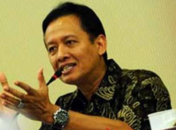 Jokowi Tak akan Polisikan Natalius, Henry Subiakto: Lebih Banyak Mudaratnya Layani Petualang Politik Tak Berguna