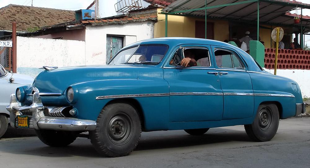 1951 mercury 4 door sport sedan cubanclassics for 1951 mercury 4 door sedan