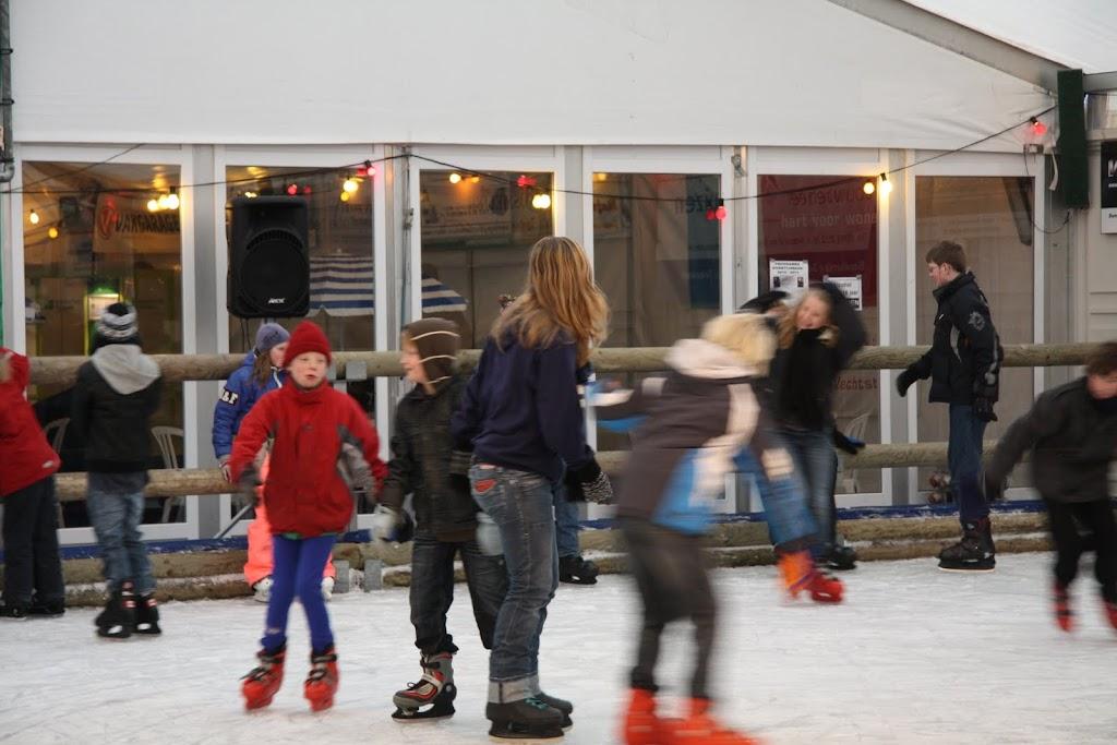 Sinterklaas bij de schaatsbaan - IMG_0340.JPG