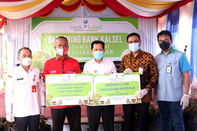 Bersama Pemkab Tapin, Bank Kalsel Dukung Produktivitas dan Kualitas Petani Cabe Hiyung