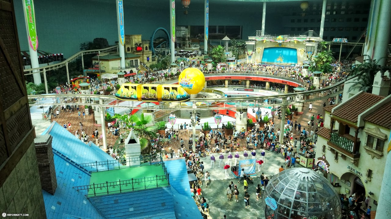 Lotte world worlds largest indoor theme park reformatt travel show the biggest indoor theme park in the world in seoul seoul special city gumiabroncs Images