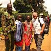 2012-08-08 11-39 Meru, z policjantem i masajami.JPG