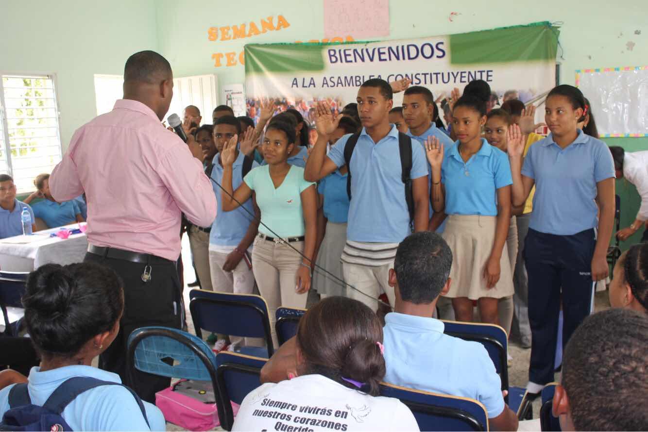 Director Distrital  de educación desarrolla amplia agenda de trabajo en Peralvillo