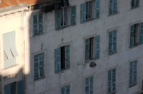 Worn window blinds