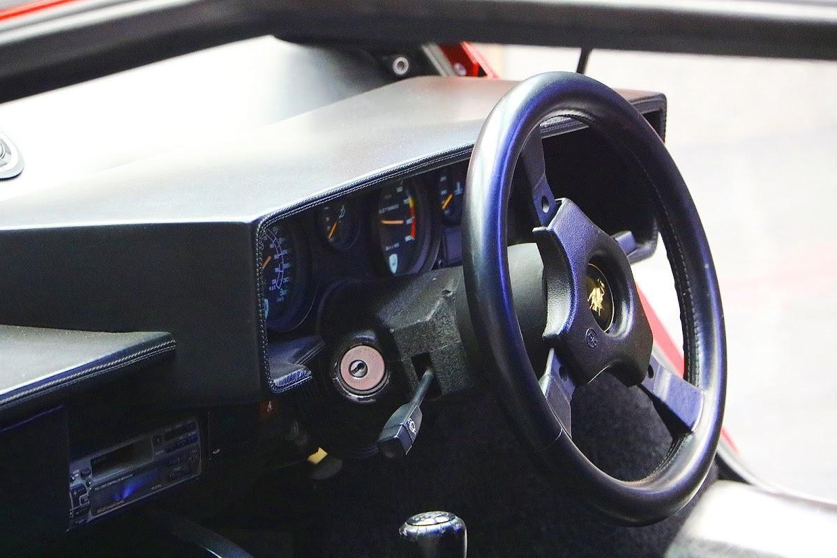 Lamborghini Countach (18).jpg