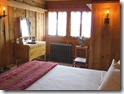 old-faithful-inn-old-house-room-one-bed-01