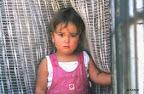 Petite fille dans le village de Kcira, en Albanie
