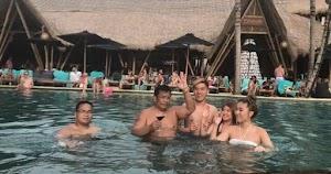 Bang Hotman Sudah Berenang dengan Ribuan Cewek di Bali, Tak Ada yang Melahirkan Bayi Muka Batak