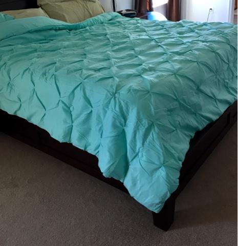 Aqua comforter