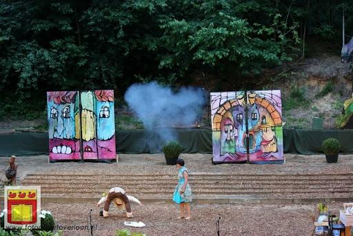 Alice in Wonderland, door Het Overloons Toneel 02-06-2012 (62).JPG