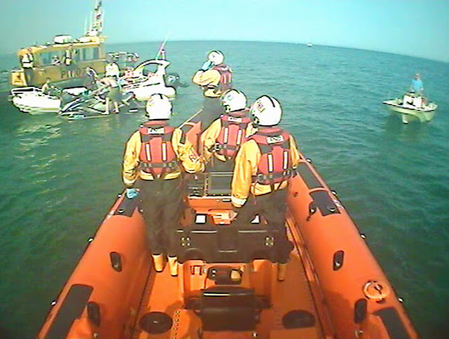 Poole ILB arriving on scene at an incident where a jetskier had injured his back 17 May 2014 Photo: RNLI/Poole ILB