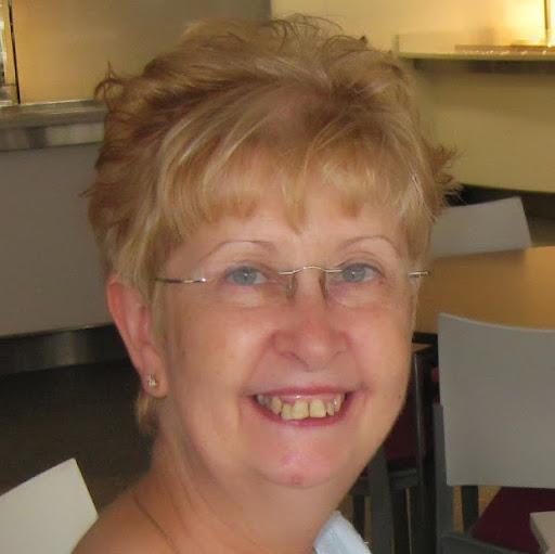 Christine Howes Photo 11