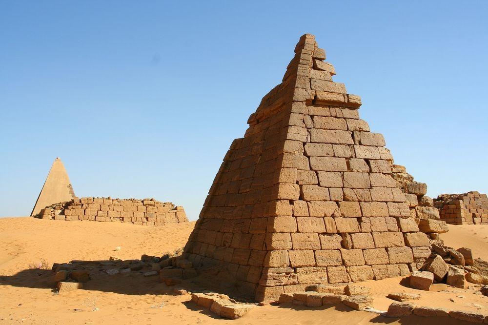 nubian-pyramids-6