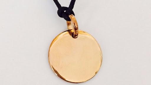 Collier médaille plaqué or