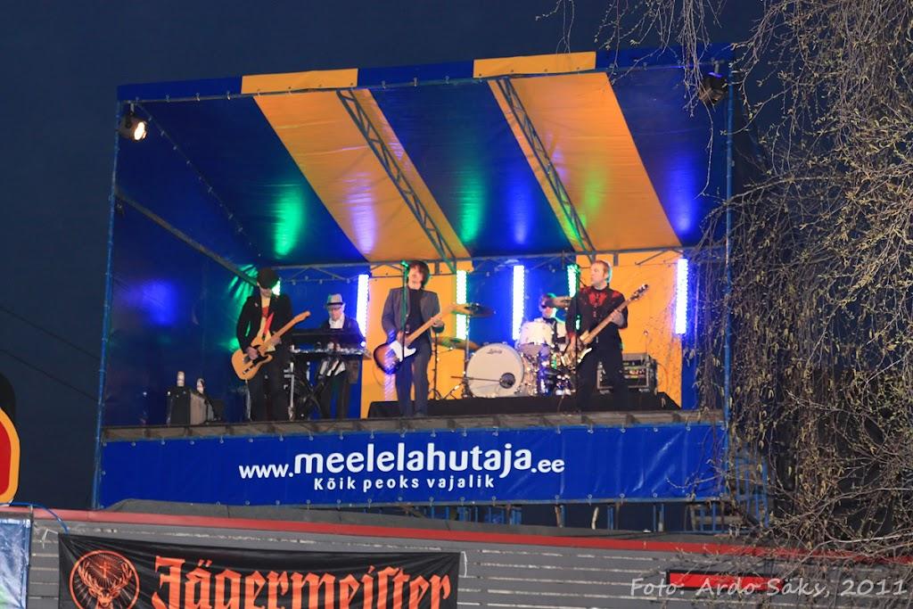27.04.11 Katusekontsert The Smilers + aftekas CT-s - IMG_5724_filtered.jpg