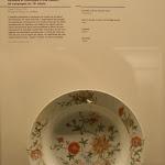 Archéa : expostion permanente, vaiselle du 18e s. style Imari, fabriquée en Asie