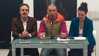 Alfredo Valdivia, Rodrigo Valero y Beba Pérez, en la presentación.