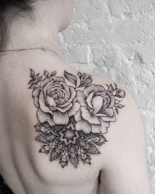 este_encantador_hotel_de_rose_tattoo