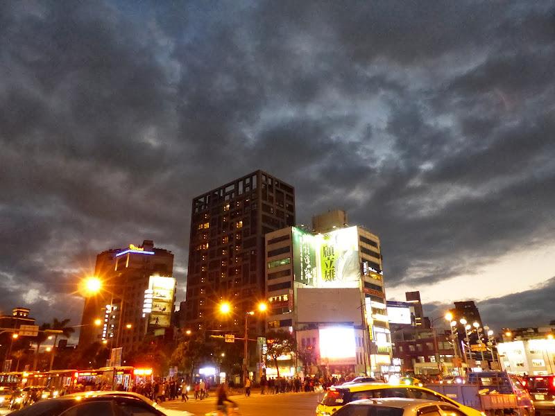 Taipei Zhong Shan Hall et Ximending - P1020758.JPG