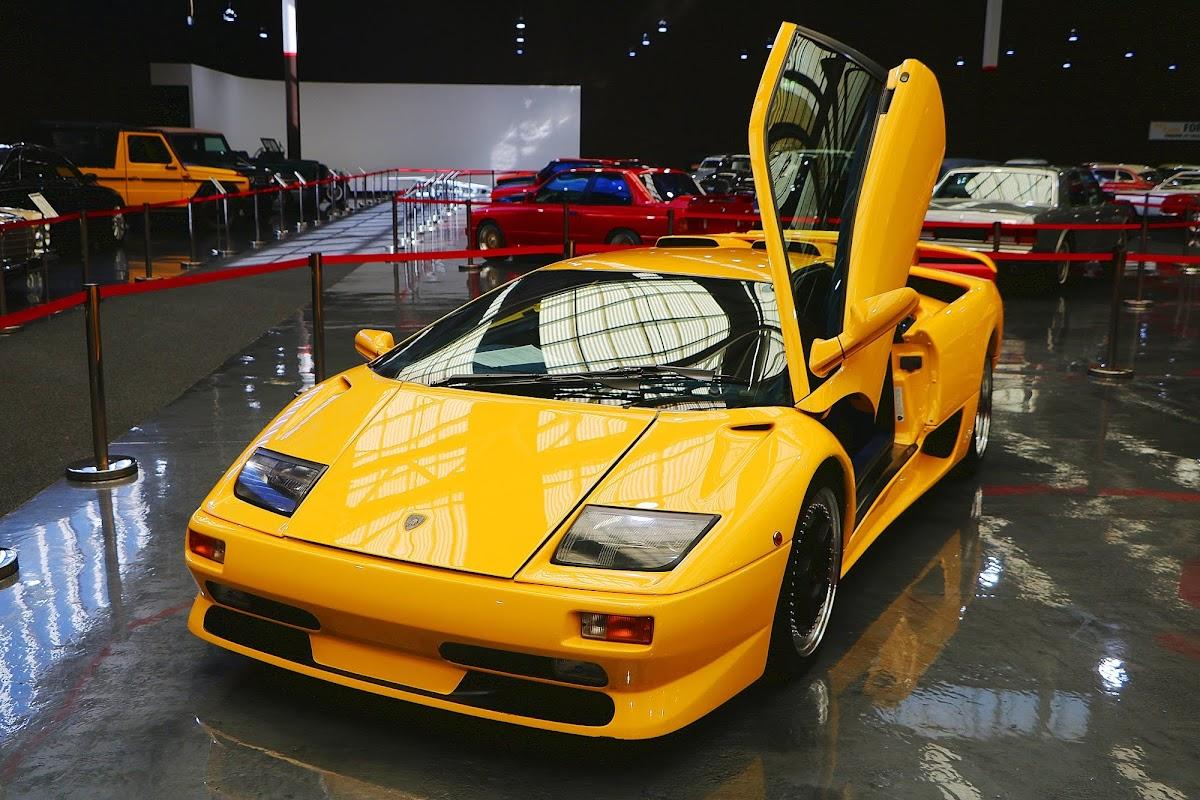 1999 Lamborghini Diablo (04).jpg