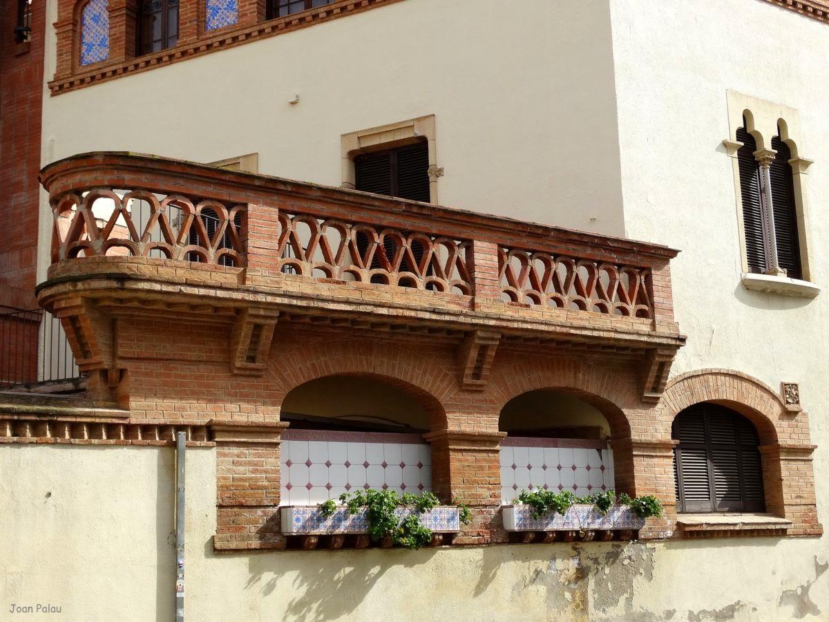Casa dom nech barcelona modernista i singular - Fachadas ladrillo visto ...