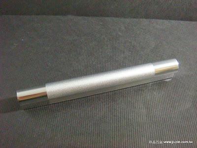 裝潢五金品名:A542-鋁製取手規格:32m/m(50)規格:64m/m(80)規格:96m/m(120)規格:128m/m(150)規格:160m/m(230)顏色:PC+SC玖品五金