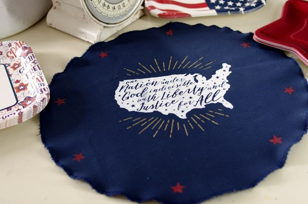 How-to-Make-Americana-Placemats-with-Chalk-Couture-3