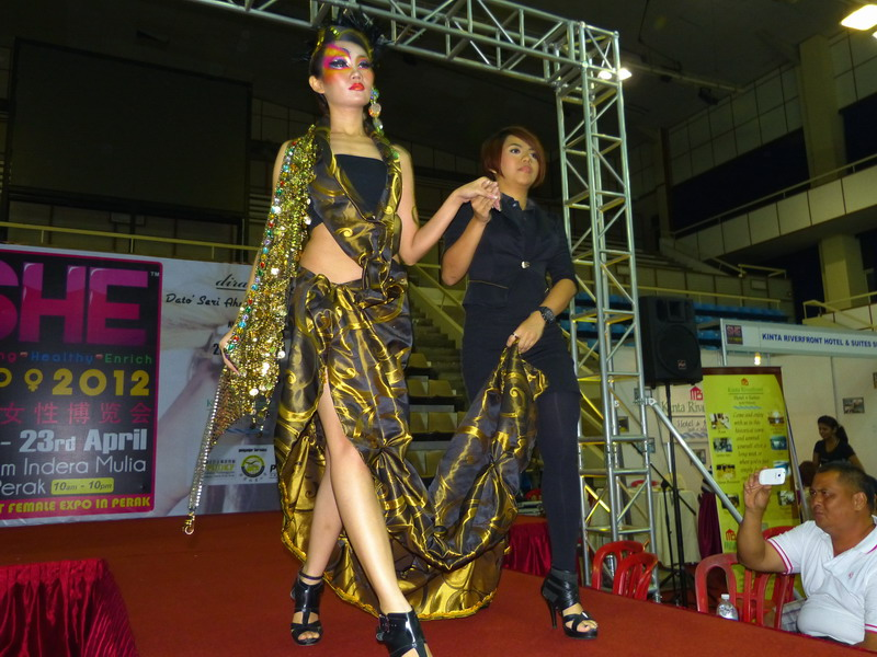 """Magic of Colours"" Make-Up Show By Aery Jo Academy @ S.H.E. Expo 2012"
