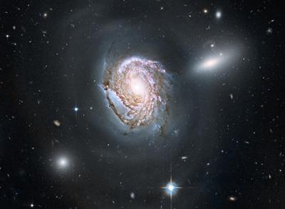 galáxia espiral NGC 4911