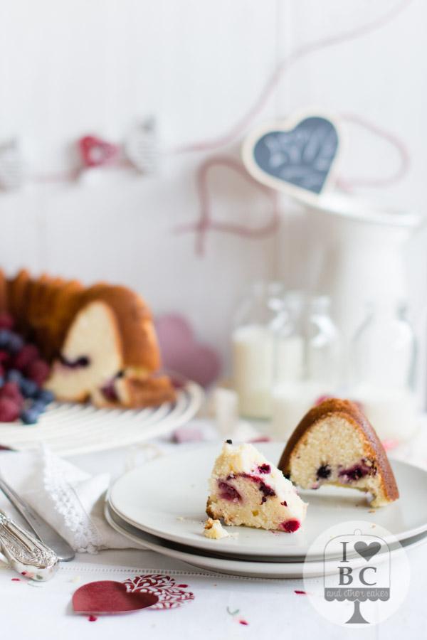 Bundt Cake frutas del bosque