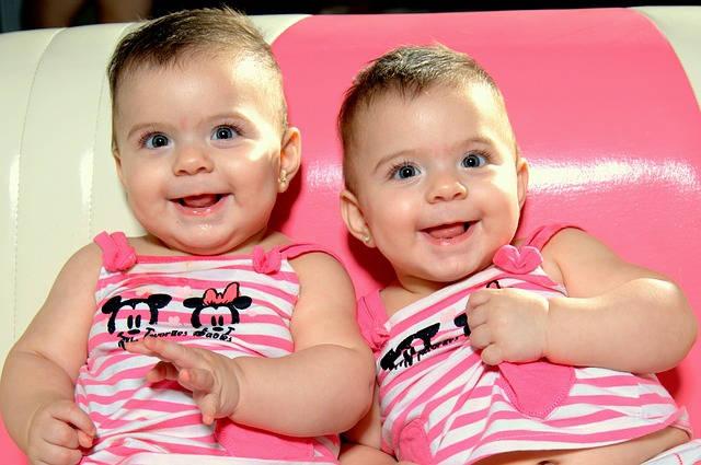 Fakta Dan Mitos Tentang Anak Kembar