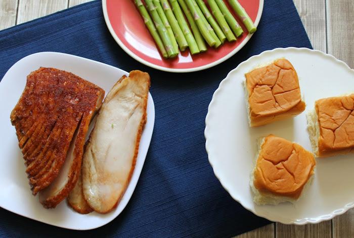 HoneyBaked Turkey Breast from HoneyBaked Ham #HoneyBakedEaster