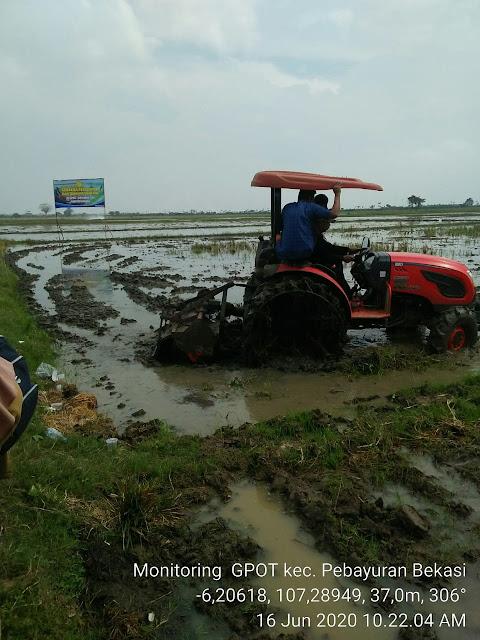 DINAS PERTANIAN Kab Bekasi Semangati Petani Dalam Program Gerakan Percepatan Olah Tanah dan Tanam  (GPOTT)