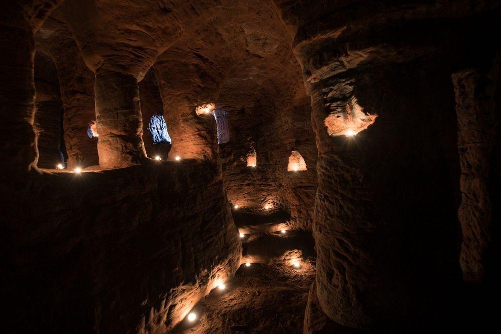 caynton-caves-1