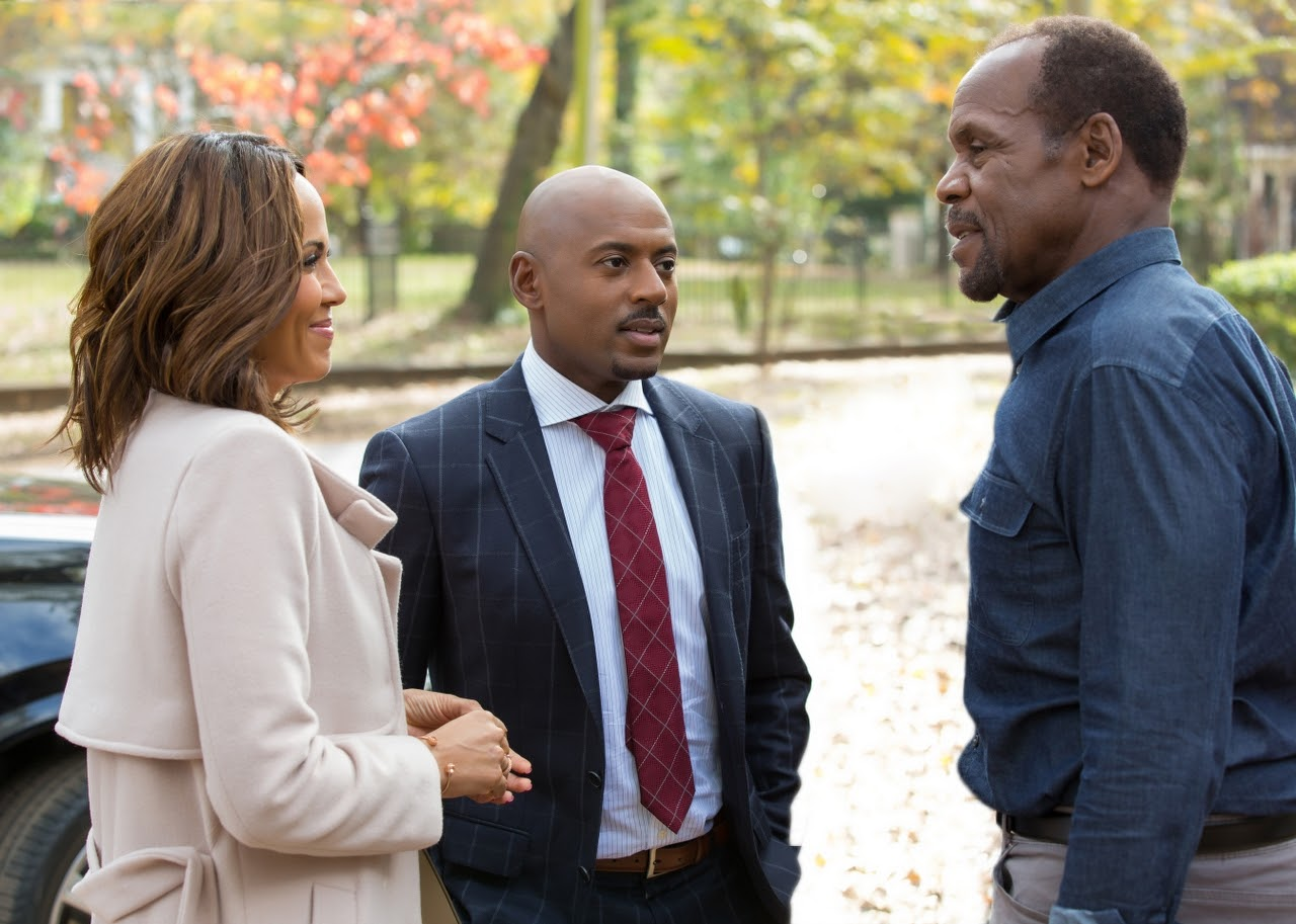 Nicole Ari Parker, Romany Malco and Danny Glover in ALMOST CHRISTMAS. (Photo by Quantrell D. Colbert / courtesy of Universal Pictures).
