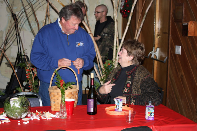 2009 Clubhouse Christmas Decorating Party - IMG_2632.JPG