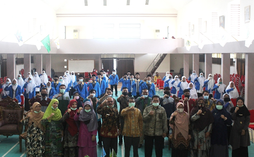 Dekan FTIK IAIN Batusangkar Lantik Pengurus 11 HMJ