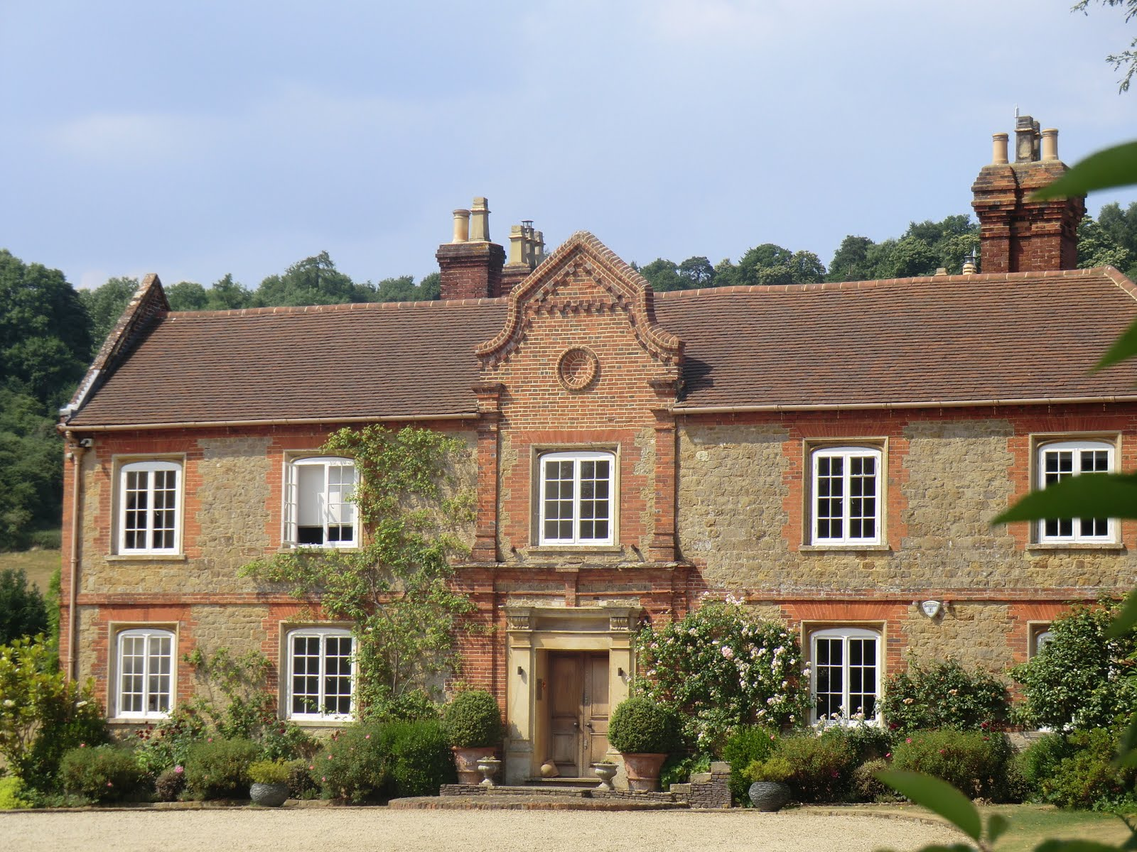 CIMG8132 Chilworth Manor
