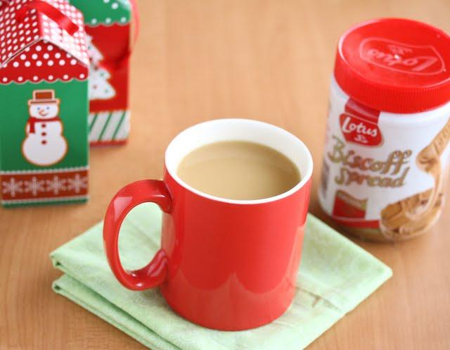 photo of a mug of hot biscoff milk