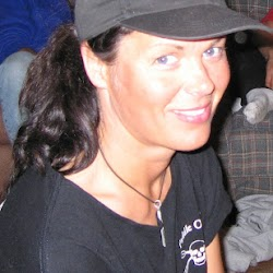 Freya black USA qajaq hat.JPG