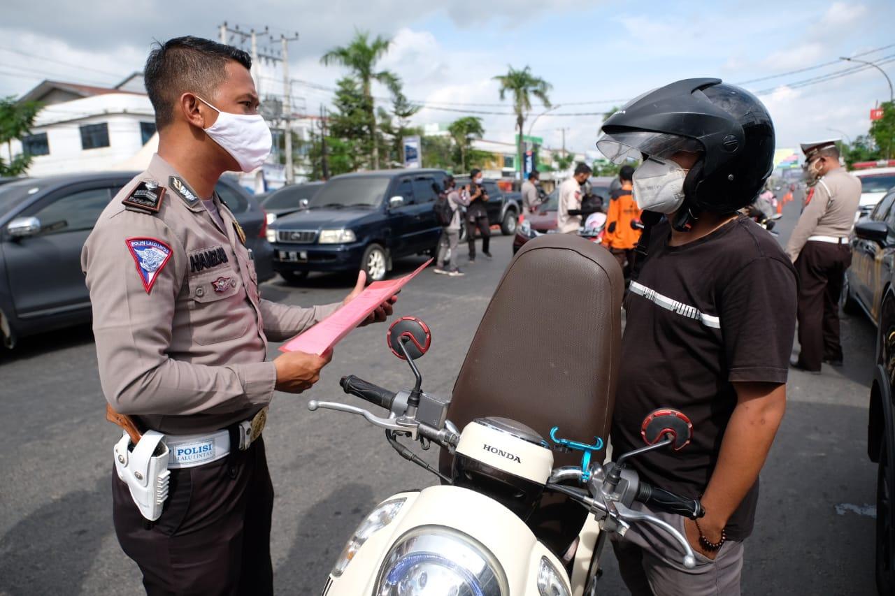Hari Pertama PSBB, Petugas Perketat Pemeriksaan Bagi Pengendara Masuk ke Gowa