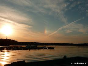 2010/1/27夕焼けのお隣に虹が出てきました。珍しいです。