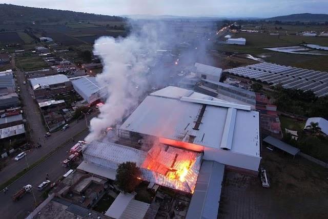 Otra vez se incendió fábrica de tostadas en Capilla