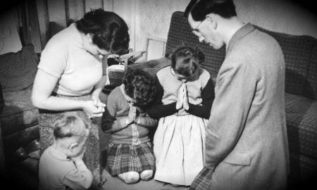 Dievu lūgt var arī mājās