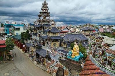 Pagoda Linh Phuoc, Dalat Vietnam