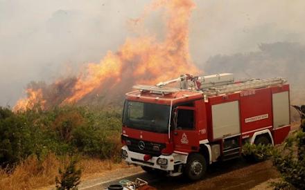 Μεγάλη φωτιά τώρα στην Καστοριά