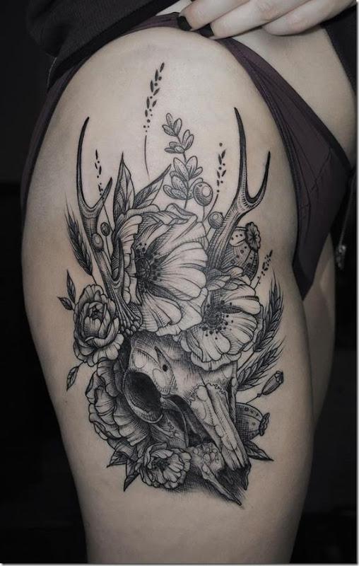 s duisante de la hanche tatouages pour les femmes id es et photos de tatouages. Black Bedroom Furniture Sets. Home Design Ideas