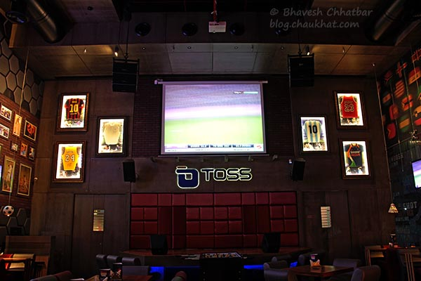 Inside Toss Sports Lounge Koregaon Park