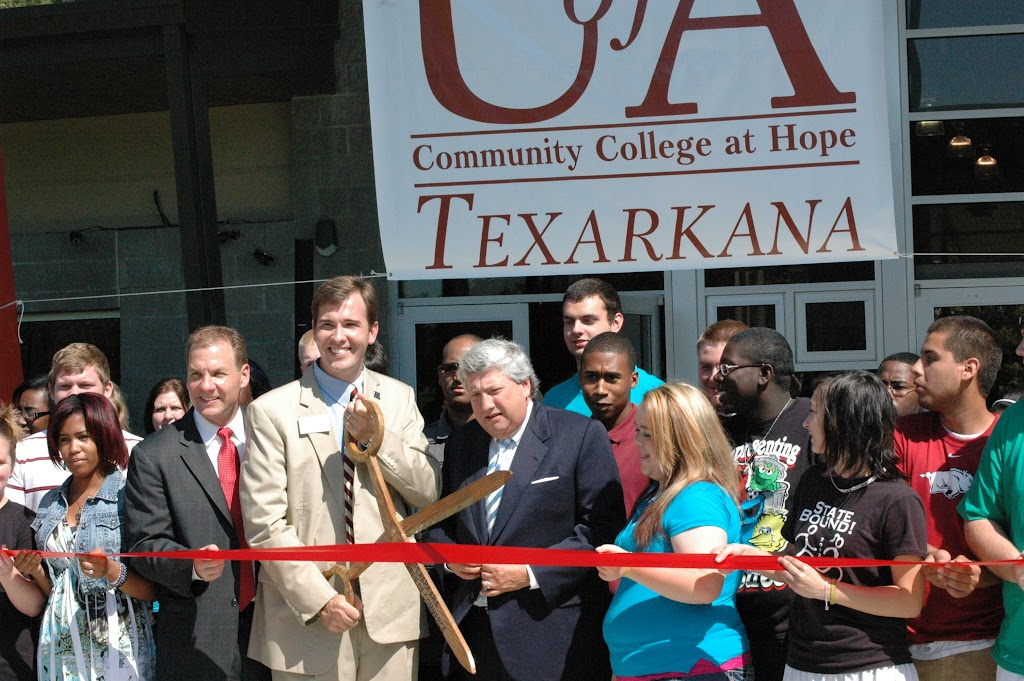 UACCH-Texarkana Ribbon Cutting - DSC_0015.JPG